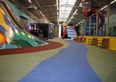 Neuer Teppichboden des Indoorspielplatzes